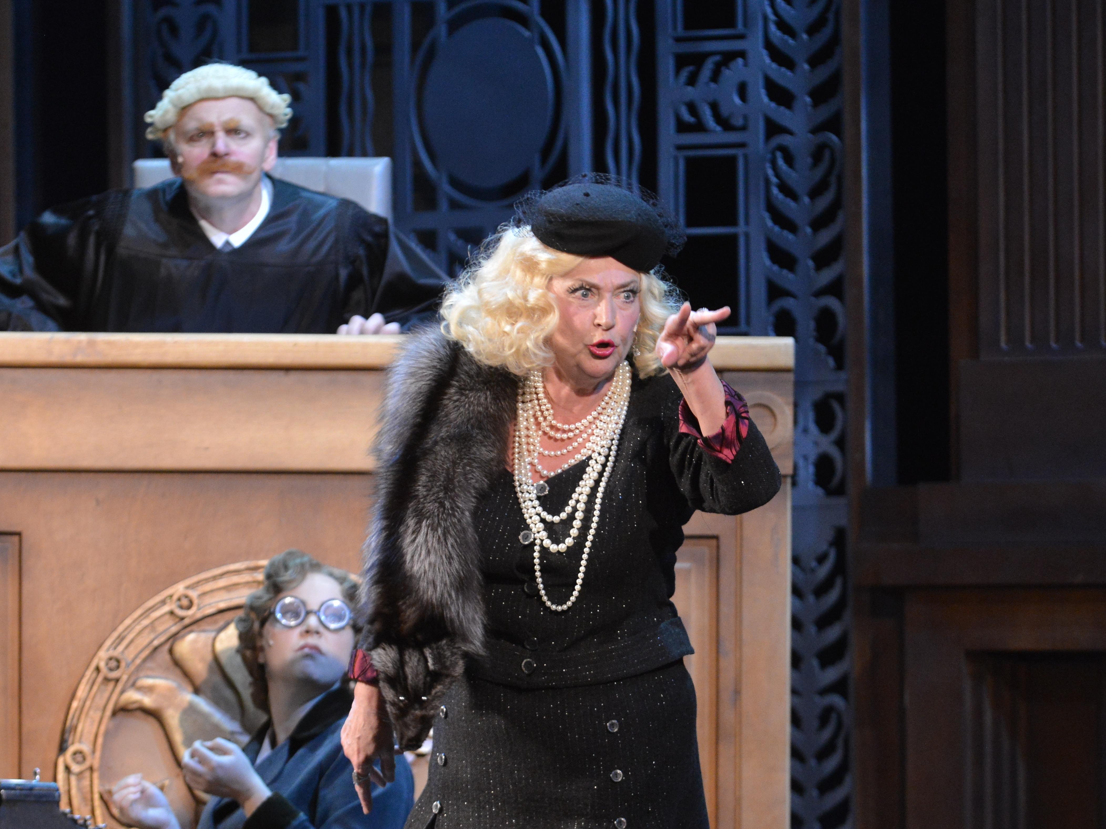 """Valentina Kosobutskaya in the role of Lady Bolochkova (""""Hollywood diva"""")"""